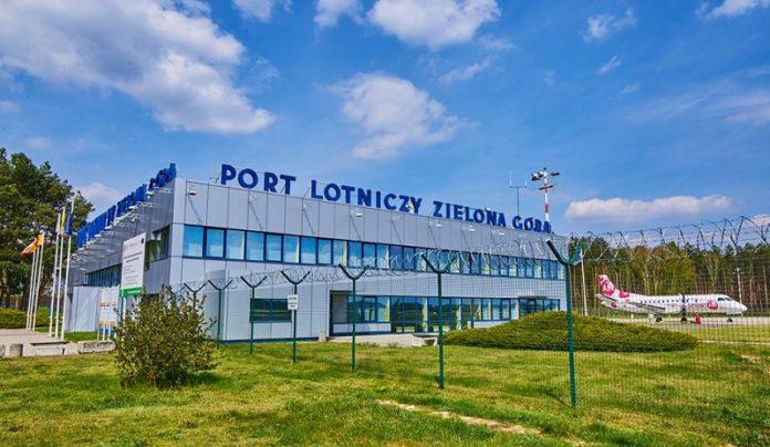 Samolotem z Zielonej Góry do Warszawy