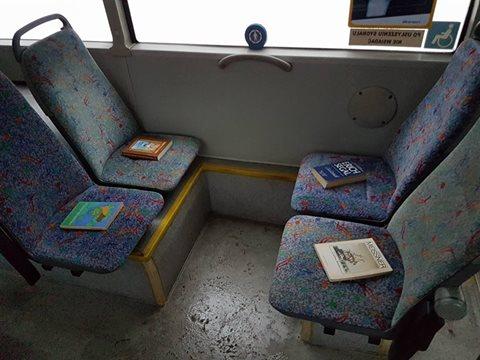Podróże z książką w autobusie w Zielonej Górze