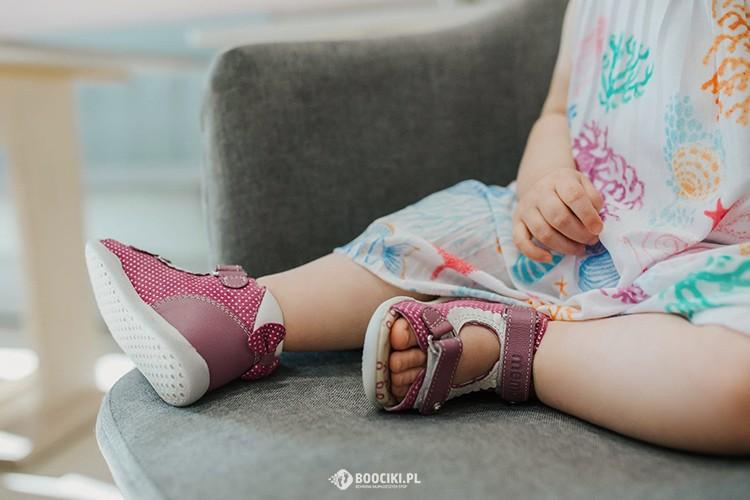Pierwsze Buty Dla Dziecka Wplywaja Na Prawidlowy Rozwoj Stop Wybierz Je Madrze Zielona News